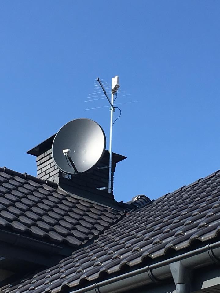 Zestaw antenowy telewizji satelitarnej, naziemnej oraz internetu Cyfrowego Polsatu